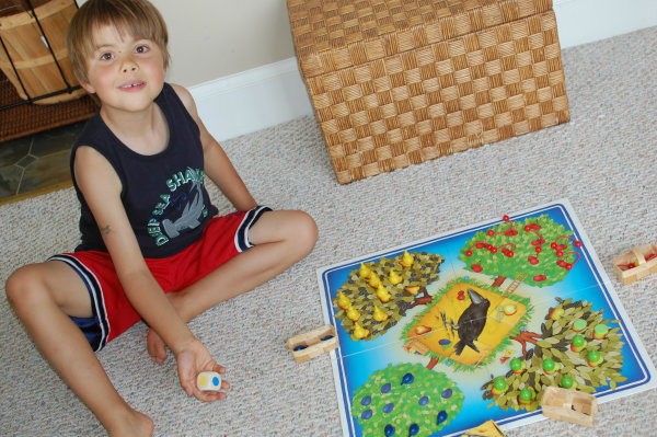 6 Family Games that a Three-Year-Old can Play
