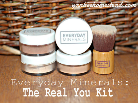 "Make-Up Review: Everyday Minerals ""The Real You"" Kit {Plus a Free 4-piece Gift}"