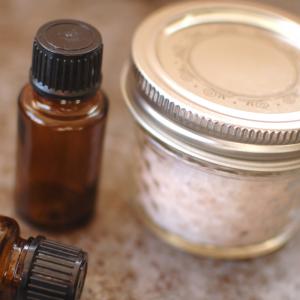 Seasoning Salt with Essential Oils | Yankee Homestead