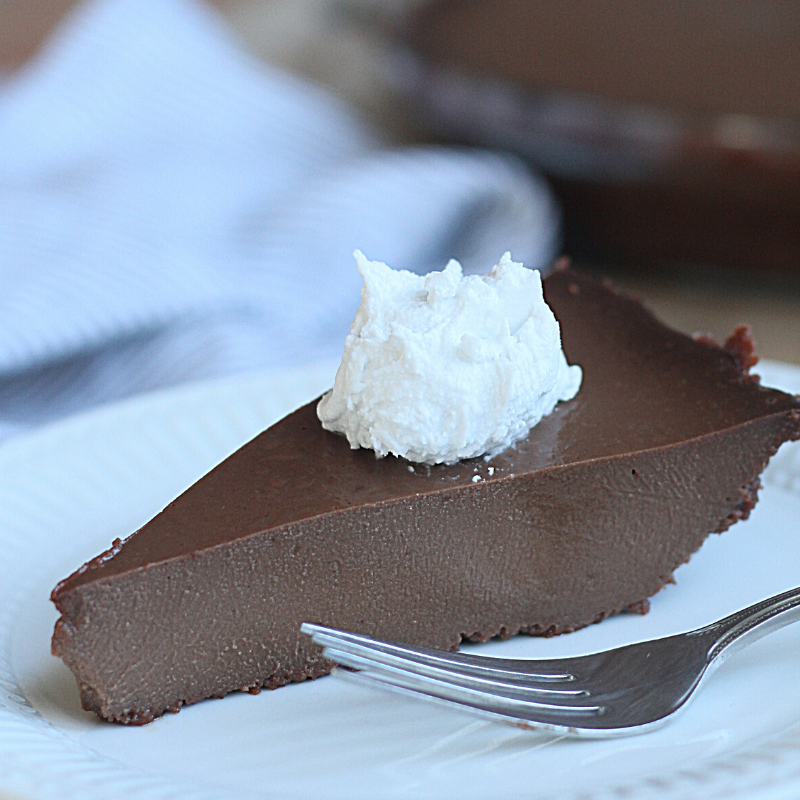 Paleo Chocolate Pie | Roots & Boots