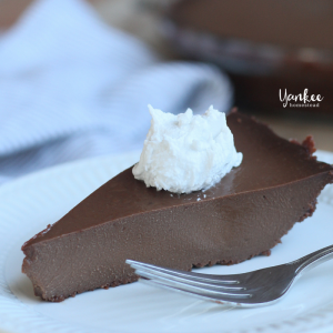 Paleo Chocolate Pie | Yankee Homestead