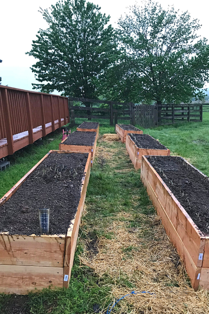 Hugelkultur Raised Garden Beds | Yankee Homestead