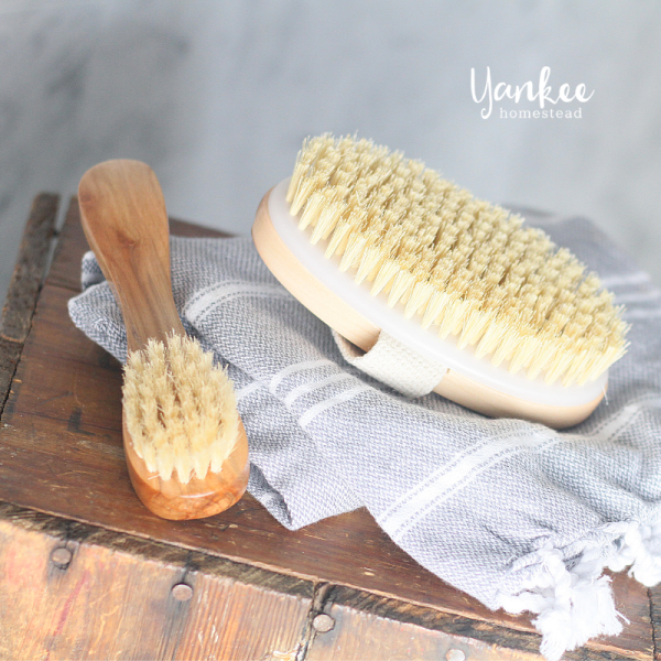 5 Benefits of Dry Brushing Your Skin (& a Live Demo)