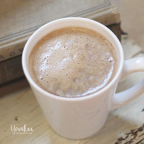Paleo Bulletproof Cacao Latte (Caffeine-Free)
