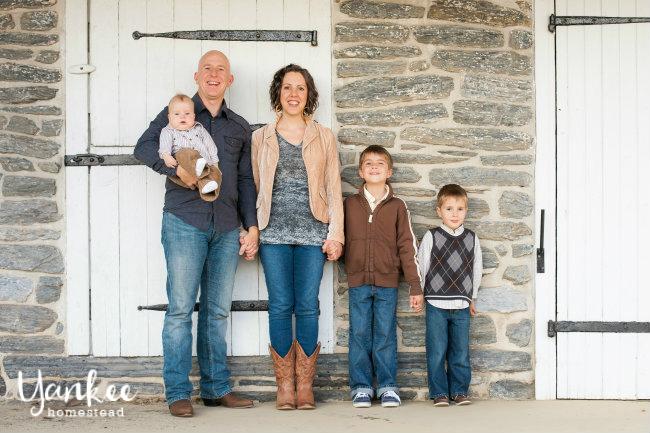 Henderson Family     Yankee Homestead