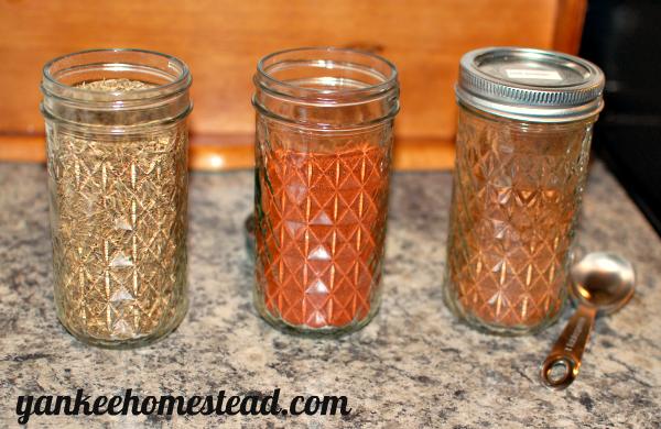 Spice Storage Solution: Mason Jars  |  Yankee Homestead
