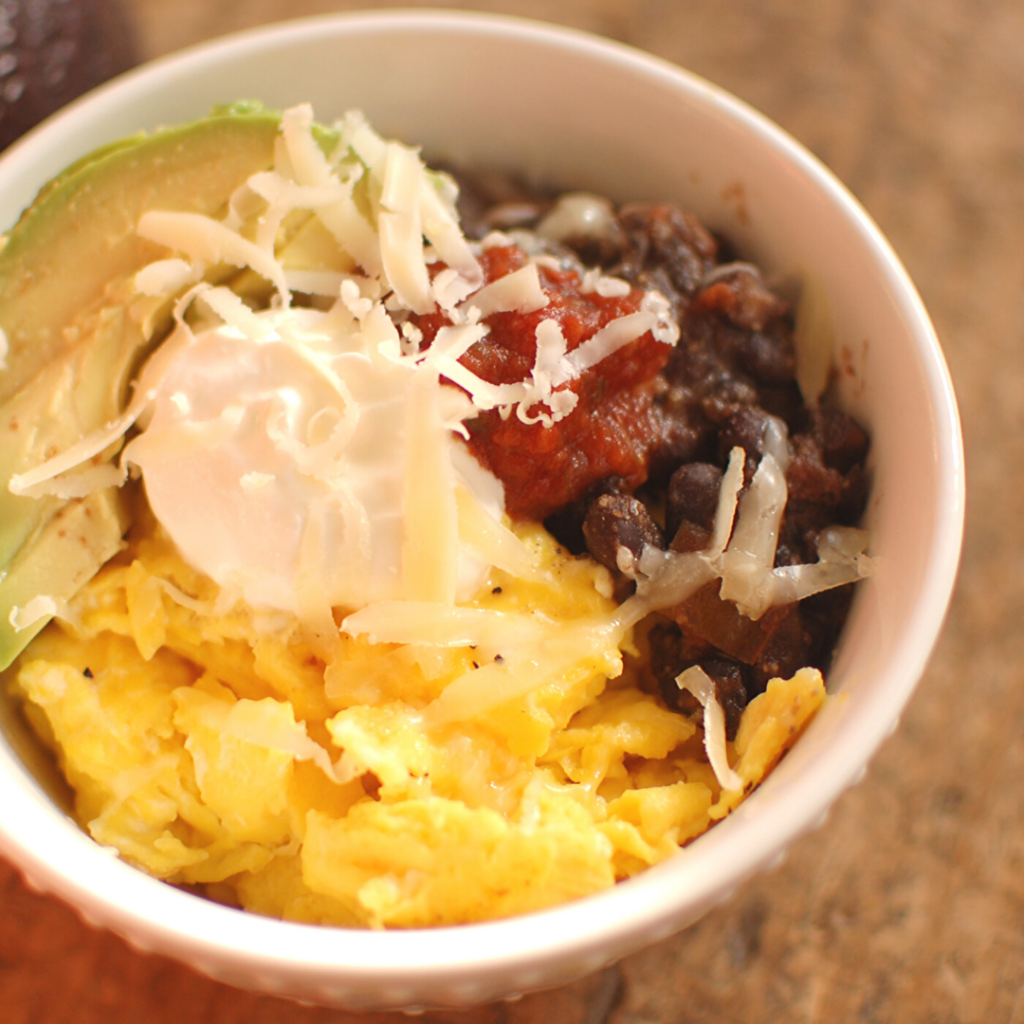 Mexican Eggs Breakfast Bowl: easy protein-packed breakfast, with essential oils!