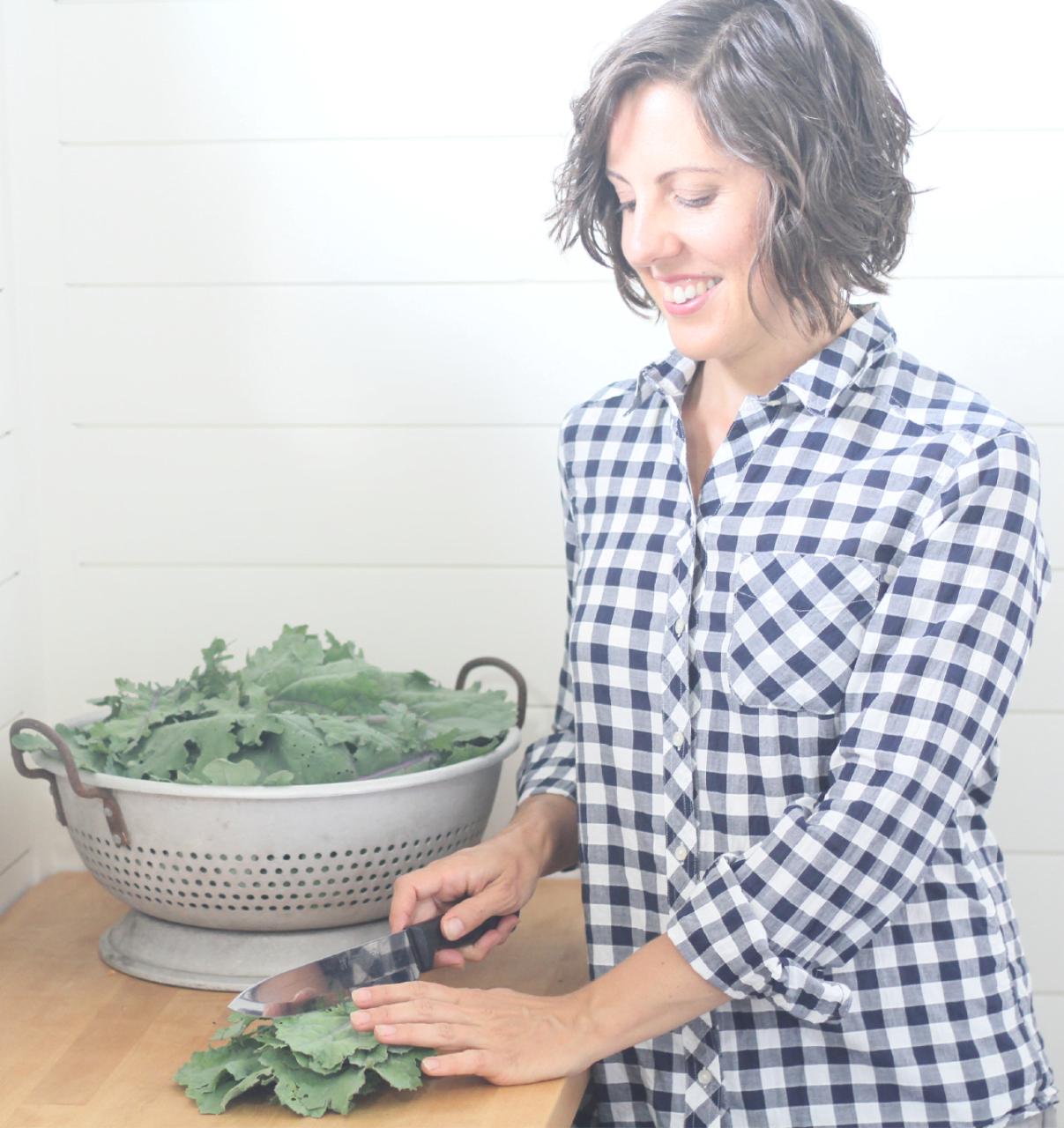 chopping-kale-vert