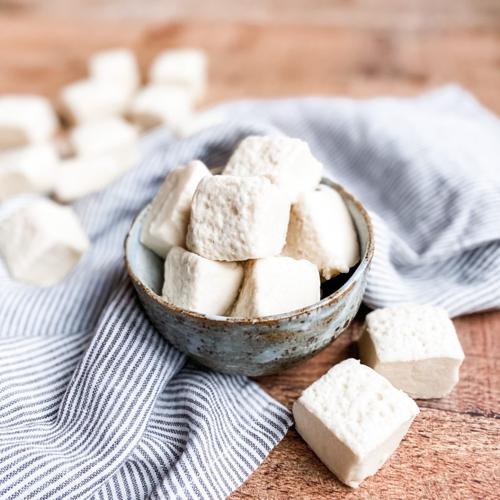 Homemade Paleo Marshmallows | Roots & Boots