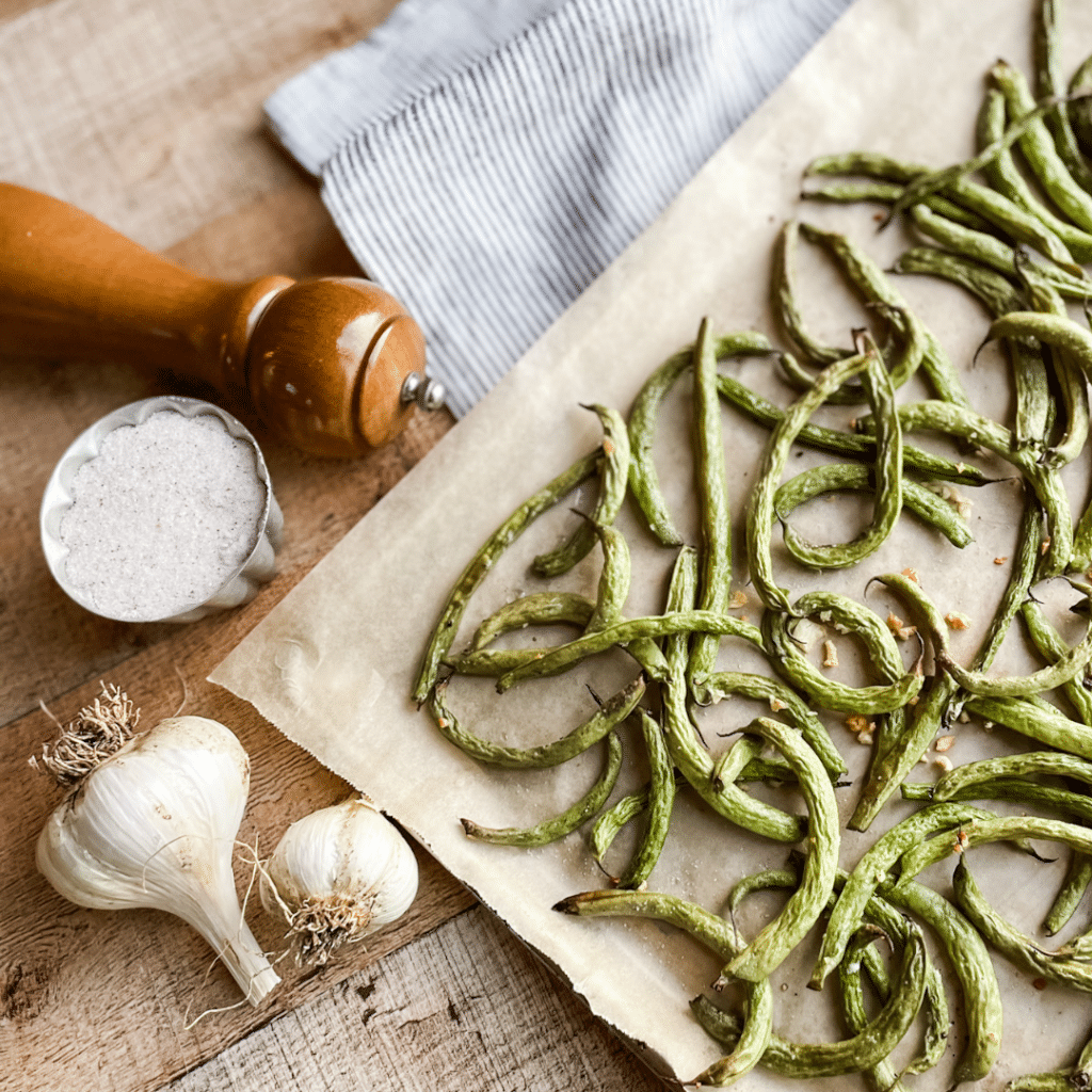 Oven Roasted Green Beans with Garlic | Roots & Boots