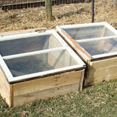 How to Build a Cold Frame out of Pallets